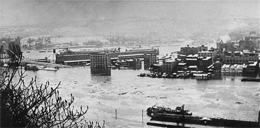 view of downtown Pittsburgh from Mt. Washington during flood of 1936