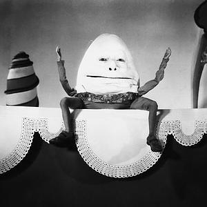 ALICE IN WONDERLAND, W.C. Fields, as Humpty-Dumpty, 1933