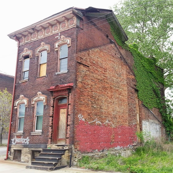 profile of ghost house in Pittsburgh, Pa.