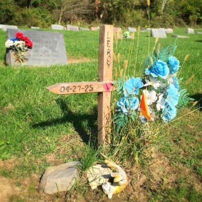 handmade grave with wooden cross and flowers, Highwood Cemetery, Pittsburgh, PA