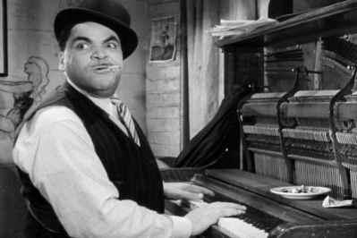 Fats Waller at piano
