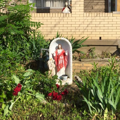 Jesus statue in front yard, Pittsburgh, PA