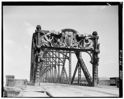 Black and white photo of Manchester Bridge in 1918, Pittsburgh, PA