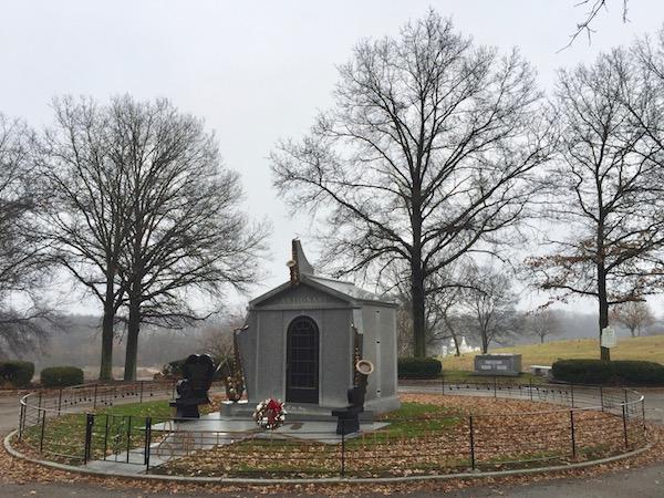 Arthur and Alfreda Antignani mausoleum, Allegheny County Memorial Park, Allison Park, PA