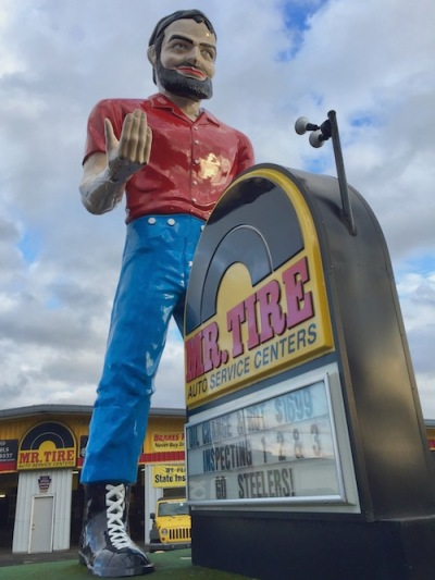 the muffler man of Mr. Tire, Uniontown, PA