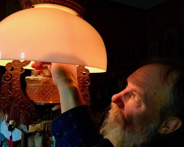icon painter Simeon Larivonovoff lighting oil lamp