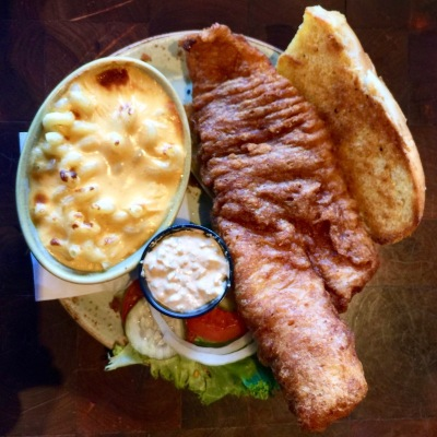 fish sandwich with mac & cheese