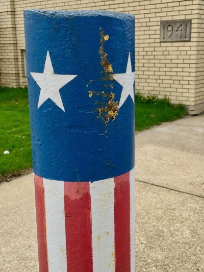 concrete pylon decorated like the American flag, Coraopolis, PA
