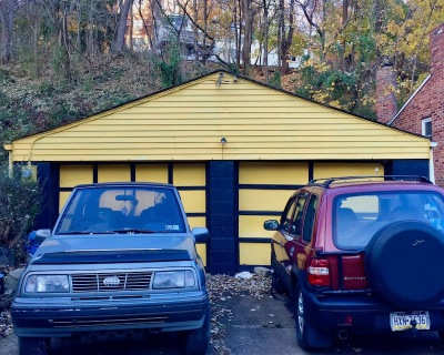 2-car garage painted black and gold, Pittsburgh, PA