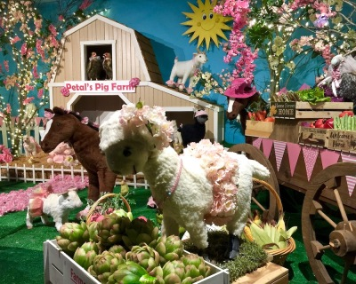 elaborate diorama of farm scene at Kraynak's Easter Bunny Lane, Hermitage, PA