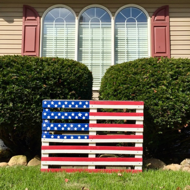 shipping pallet painted like American flag