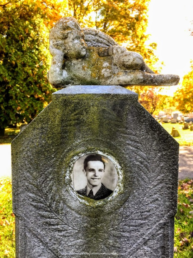 gravestone with ceramic inset photograph, Beaver Cemetery