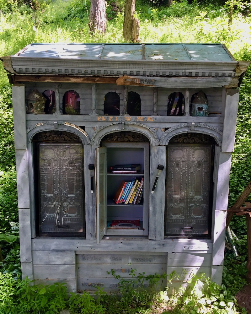 little free library modeled on Pittsburgh's Carnegie Library