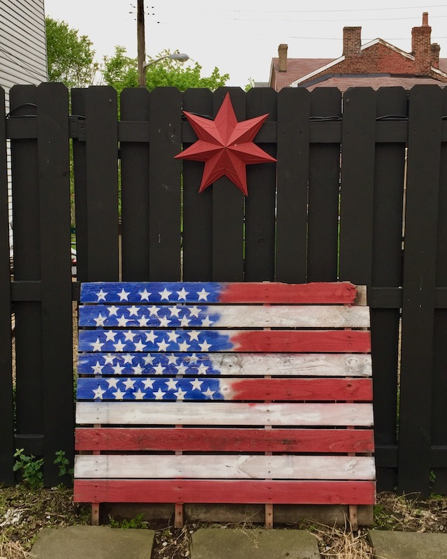shipping pallet painted to look like the American flag