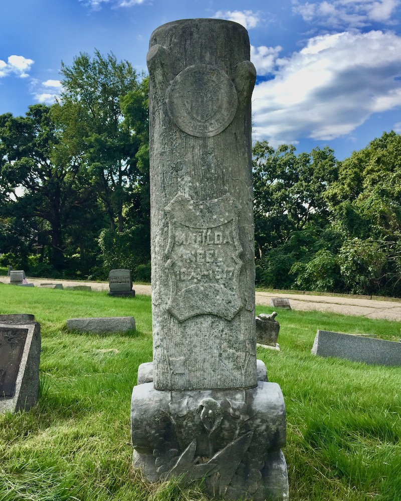grave marker with seal of the Woodmen Circle, Richland Cemetery, Dravosburg, PA